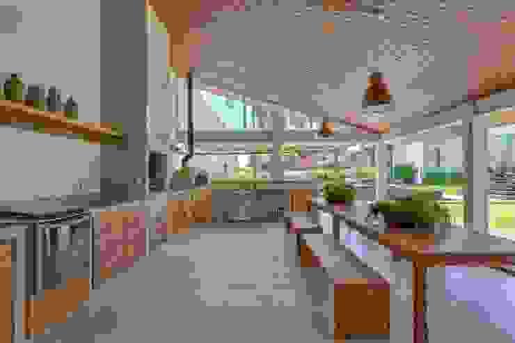 Lazer em Atibaia: Piscinas  por Nautilo Arquitetura & Gerenciamento,
