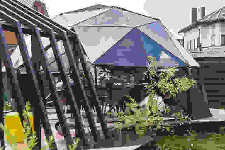 Gazebo ad pergola for a TV-programme Fazenda Балконы и веранды в эклектичном стиле от SHKAF interior architects Эклектичный