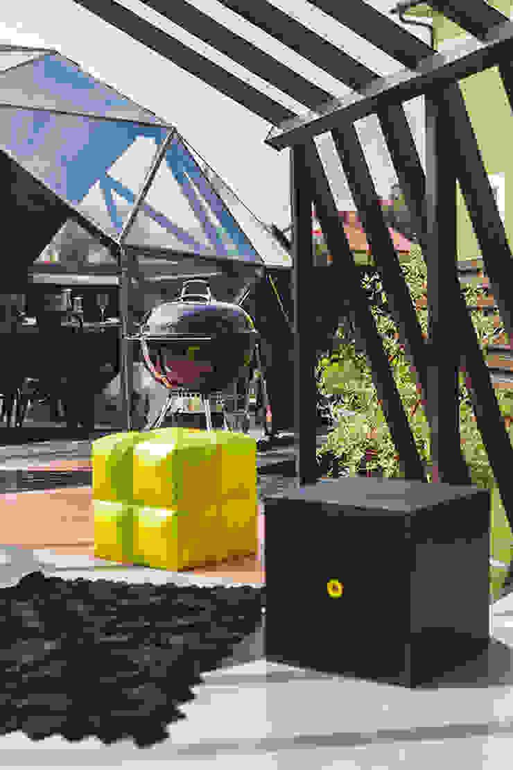 Gazebo ad pergola for a TV-programme Fazenda Сад в эклектичном стиле от SHKAF interior architects Эклектичный