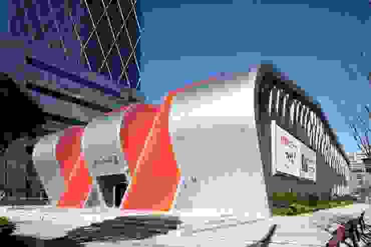 KNN방송국 센텀 신사옥 모던 스타일 컨퍼런스 센터 by (주)일신설계종합건축사사무소 모던