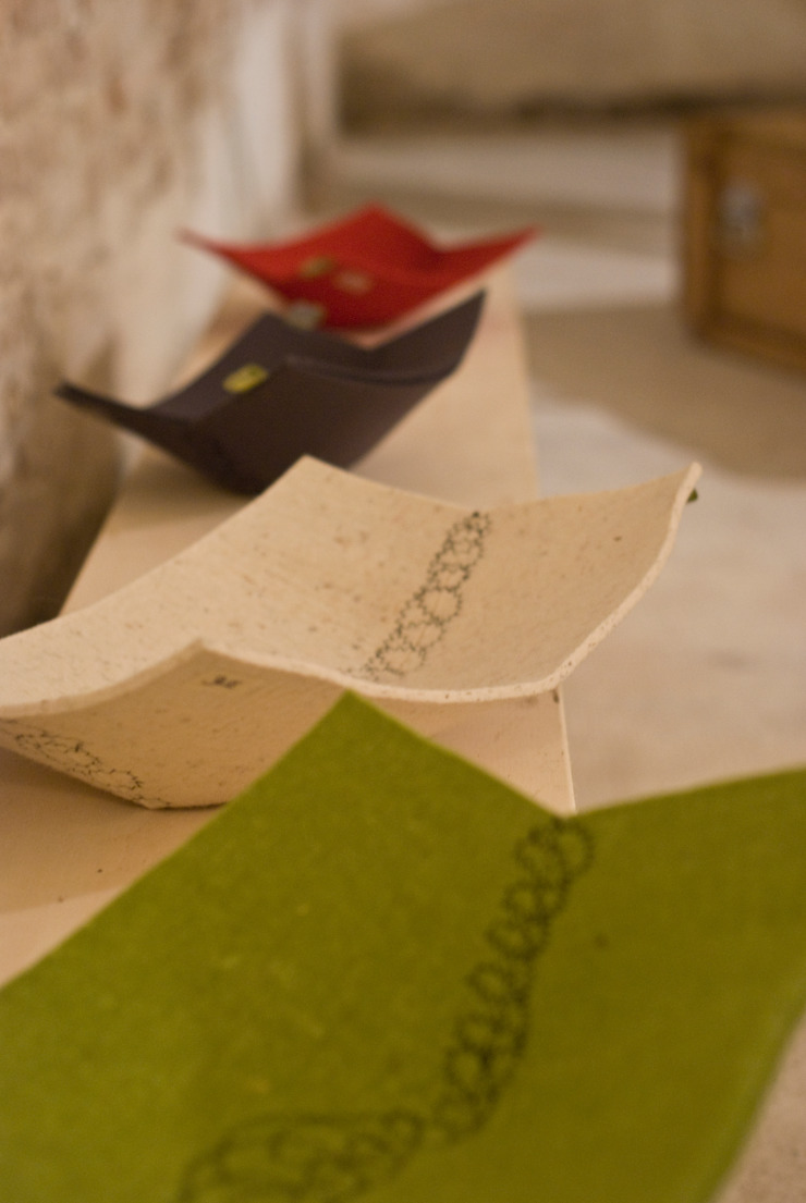 embroidery felt basket di raffaella brunzin handmade Minimalista