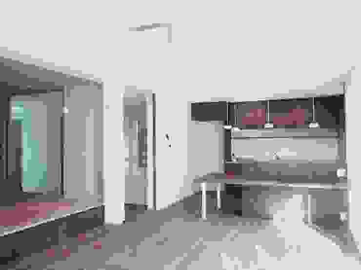 東和の住まい House in to-wa モダンデザインの ダイニング の タイラヤスヒロ建築設計事務所/yasuhiro taira architects & associates モダン