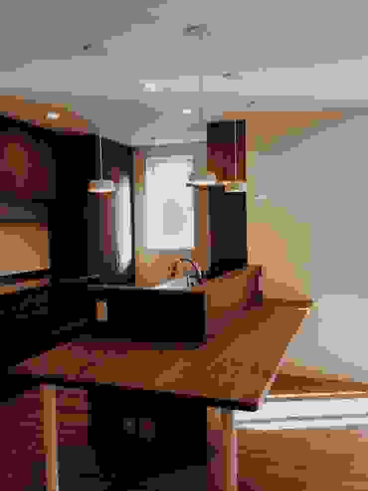 東和の住まい House in to-wa モダンな キッチン の タイラヤスヒロ建築設計事務所/yasuhiro taira architects & associates モダン