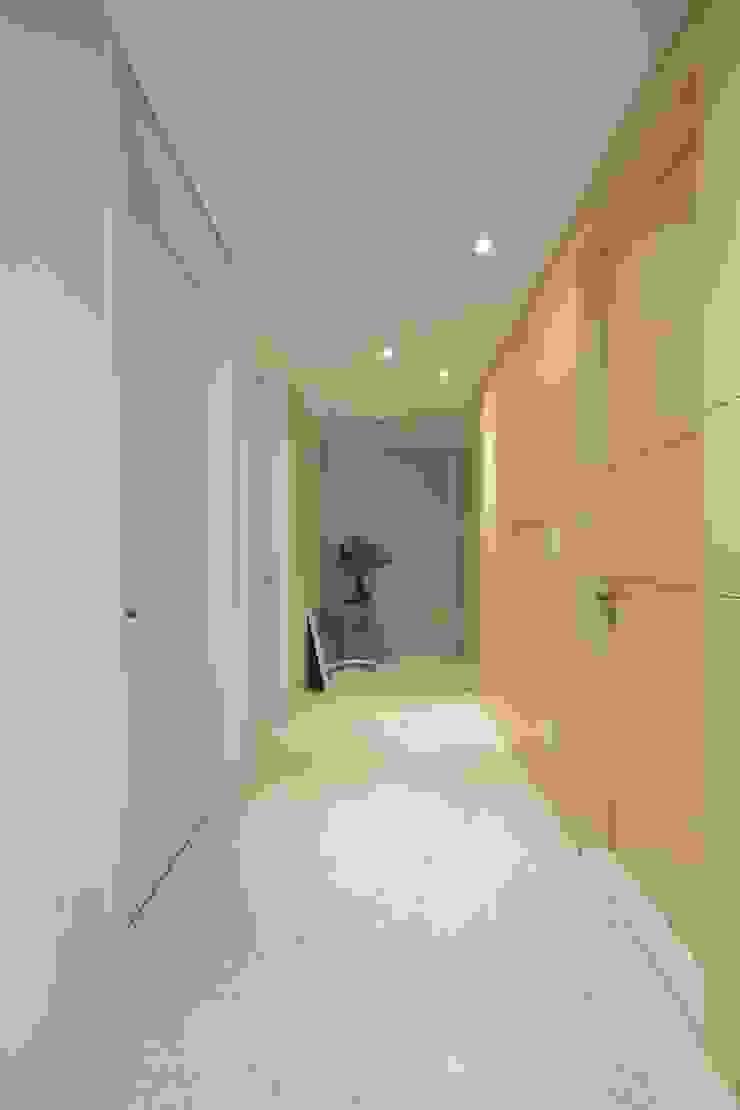 NEW EASYSTONE Turkey cream 600*600 (주)이지테크(EASYTECH Inc.) Modern Corridor, Hallway and Staircase