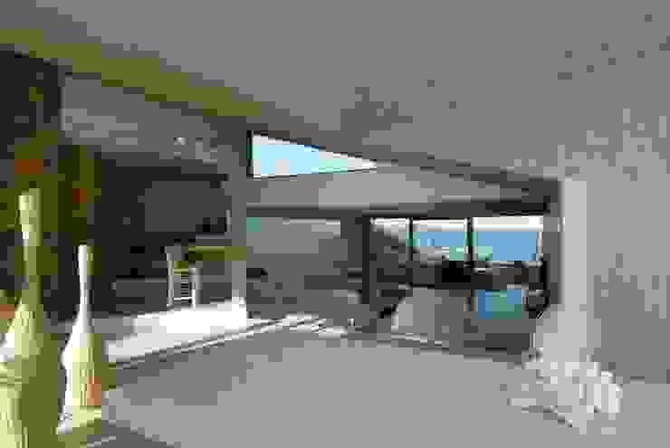 Salas de estar minimalistas por Studio Marastoni Minimalista