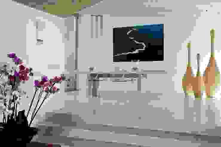 Villa <q>O</q> – Portisco, Sardegna di Studio Marastoni Minimalista