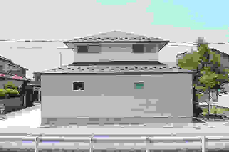 Modern Houses by ツカ・デザインスタヂオ一級建築士事務所 Modern