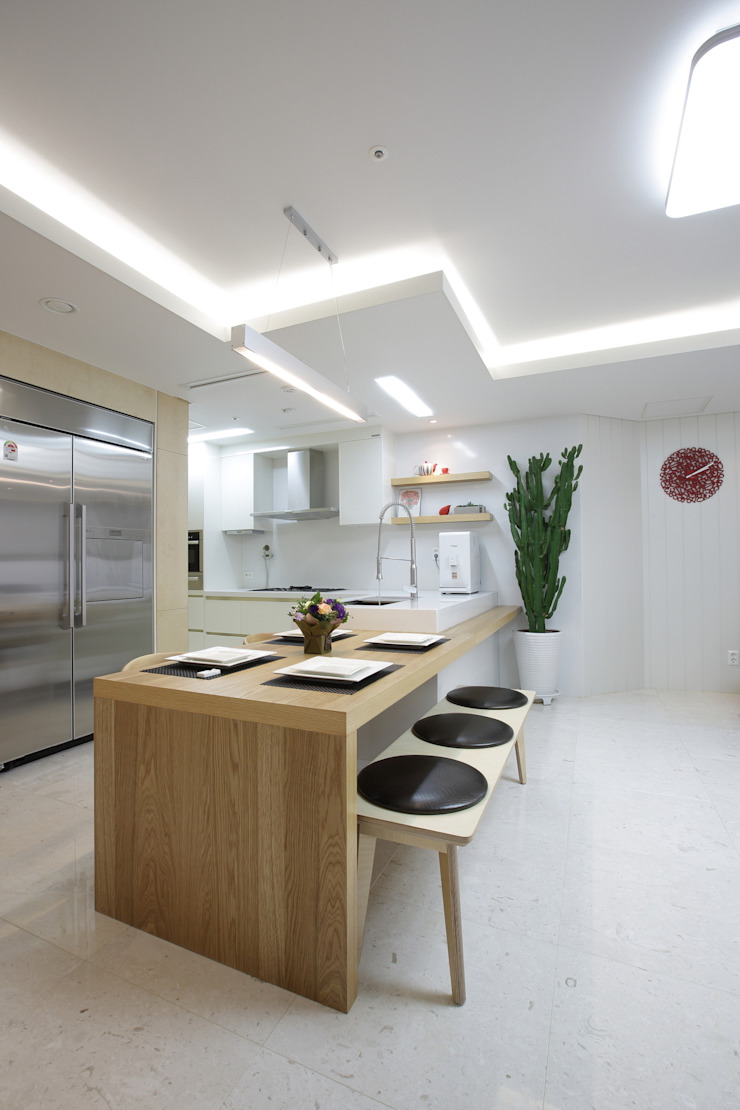 """Natural marble flooring """"NEW EASYSTONE"""" (주)이지테크(EASYTECH Inc.) Kitchen"""
