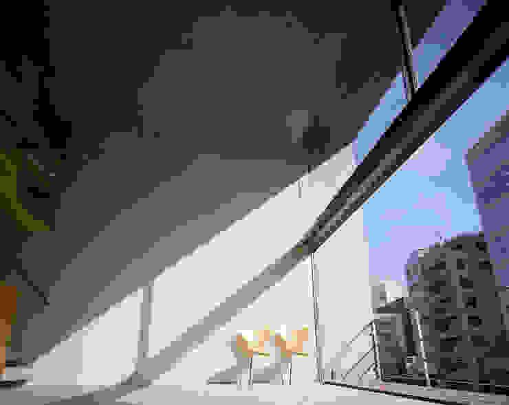 日本橋-川辺の家 オリジナルデザインの リビング の 西島正樹/プライム一級建築士事務所 オリジナル