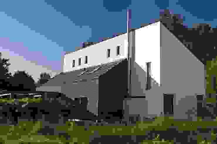 Ansicht von Norden Moderne Häuser von .rott .schirmer .partner Modern