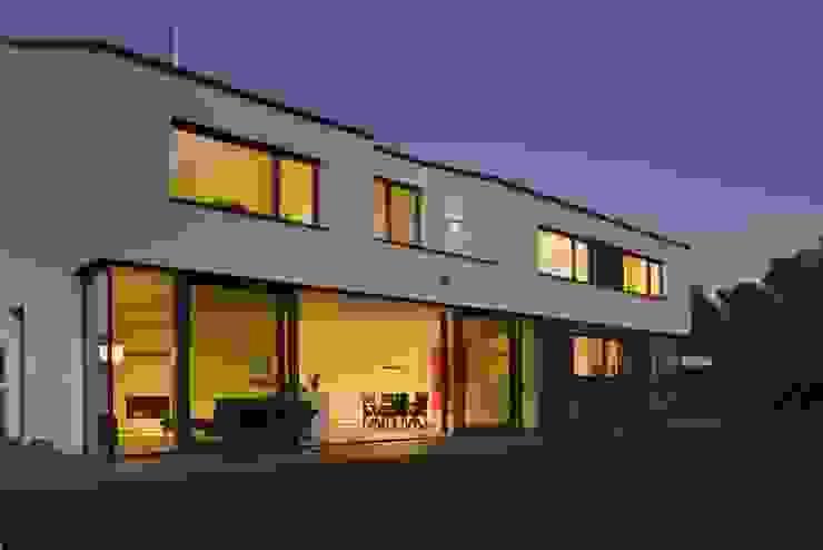 Gartenseite Moderne Häuser von .rott .schirmer .partner Modern