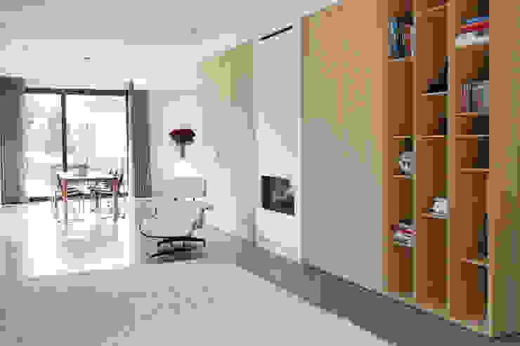 Moderne woonkamer Moderne woonkamers van Archstudio Architecten | Villa's en interieur Modern