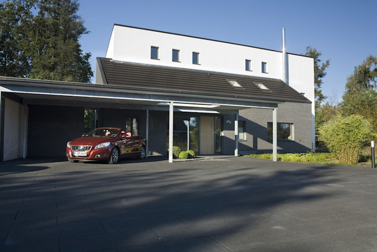 Zufahrt Moderne Häuser von .rott .schirmer .partner Modern