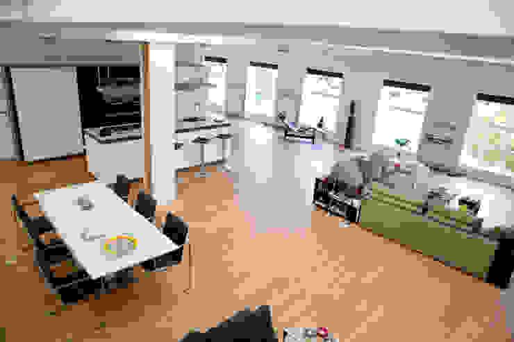 Loft Archstudio Architecten | Villa's en interieur Moderne woonkamers