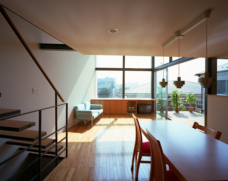 スキップテラスの家 オリジナルデザインの リビング の 西島正樹/プライム一級建築士事務所 オリジナル
