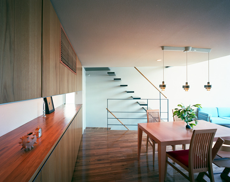 スキップテラスの家 オリジナルデザインの ダイニング の 西島正樹/プライム一級建築士事務所 オリジナル