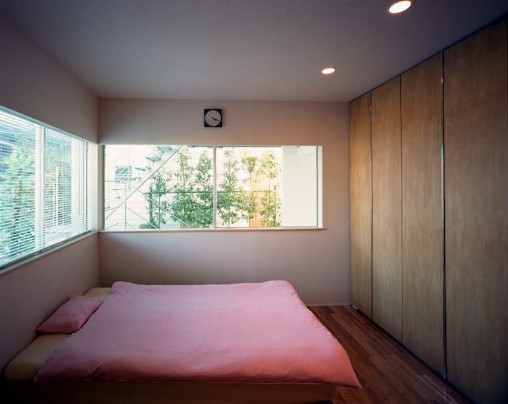 スキップテラスの家 オリジナルスタイルの 寝室 の 西島正樹/プライム一級建築士事務所 オリジナル