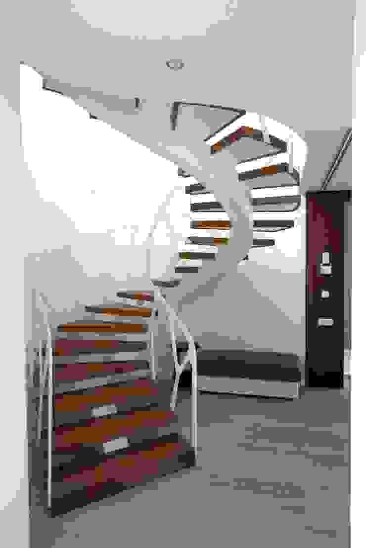 Konu Merdiven – Çakır Evi Merdiveni: modern tarz , Modern