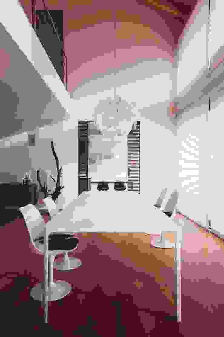 casa ROSS Soggiorno minimalista di Marg Studio Minimalista