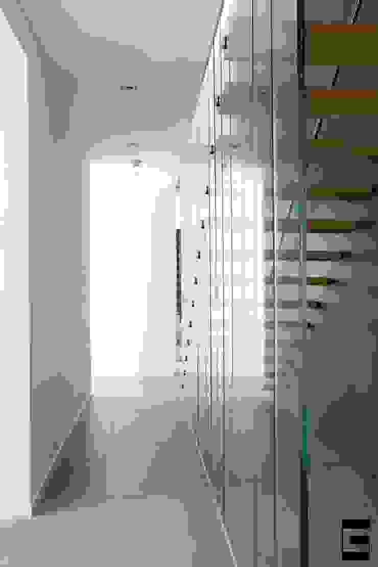 Woonhuis 47044 Moderne gangen, hallen & trappenhuizen van Geert van den Oetelaar Architect Modern