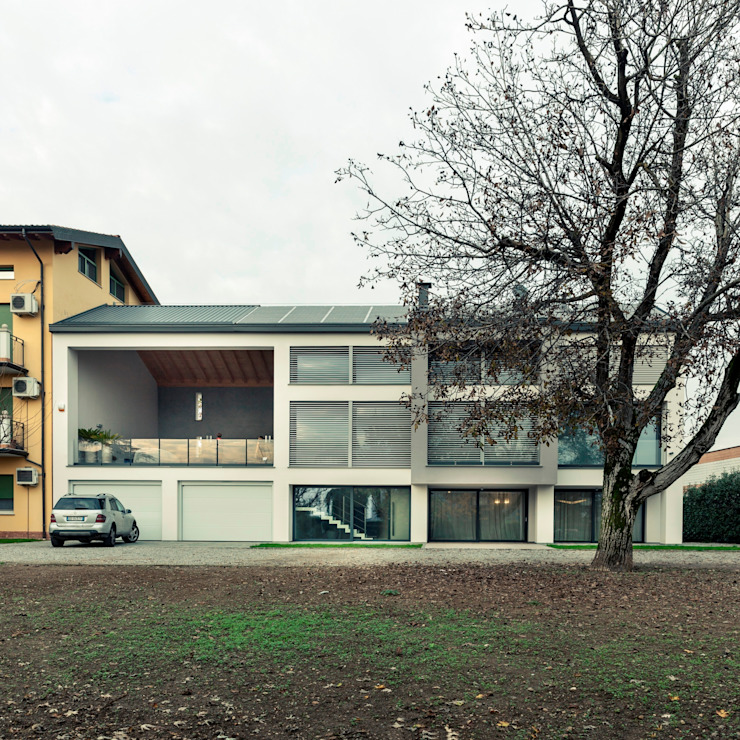 facciata esterna Case in stile minimalista di Marg Studio Minimalista