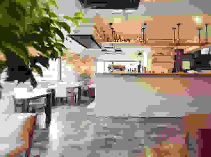YORKYS BRUNCH オリジナルなレストラン の TRANSFORM 株式会社シーエーティ オリジナル