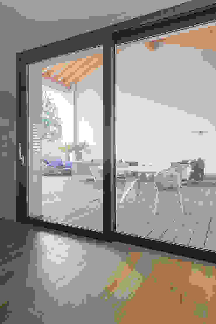 terrazzo Balcone, Veranda & Terrazza in stile minimalista di Marg Studio Minimalista