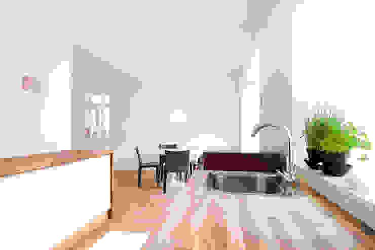 Wohnhaus mit Büro FFM-ARCHITEKTEN. Tovar + Tovar PartGmbB Moderne Küchen