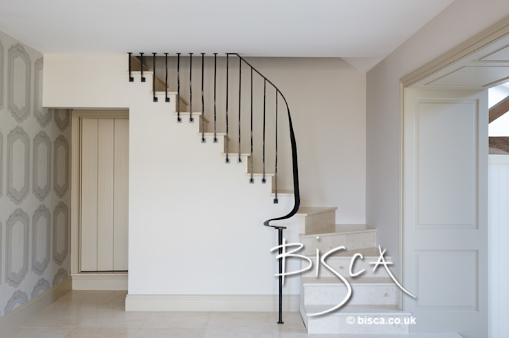 Barn Conversion Staircase Bisca Staircases 經典風格的走廊,走廊和樓梯