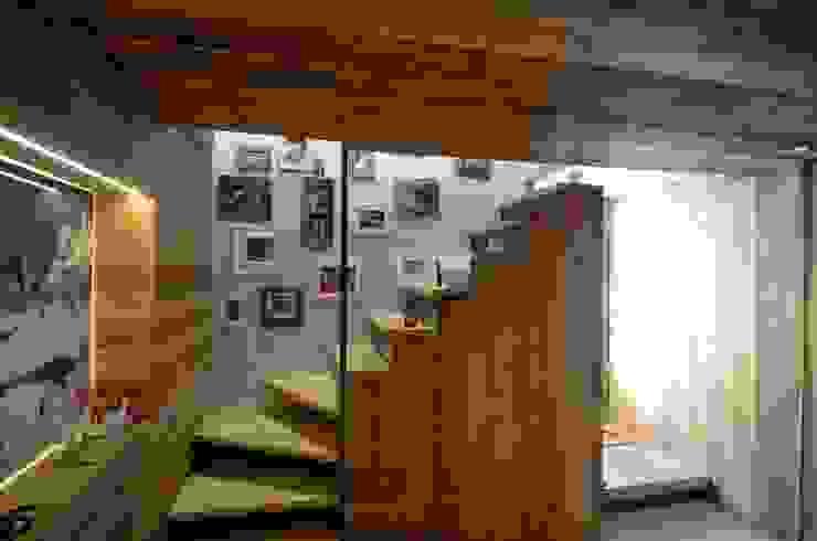 Chalet M Studio Marastoni Ingresso, Corridoio & Scale in stile moderno
