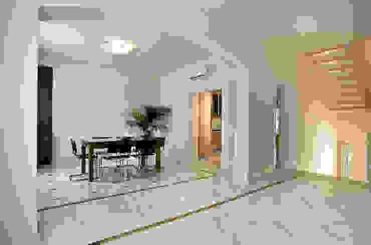 """<q class=""""-first"""">Villino</q> a Pisa Sala da pranzo in stile classico di C+A Caponi Arrighi architetti associati Classico"""