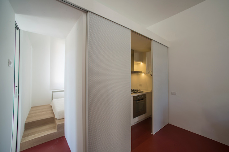 Casa per un fotografo Cucina minimalista di Silvia Bortolini architetto Minimalista