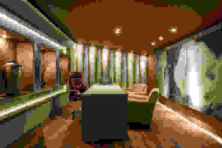 Riskalla & Mueller Arquitetura e Interiores Study/office