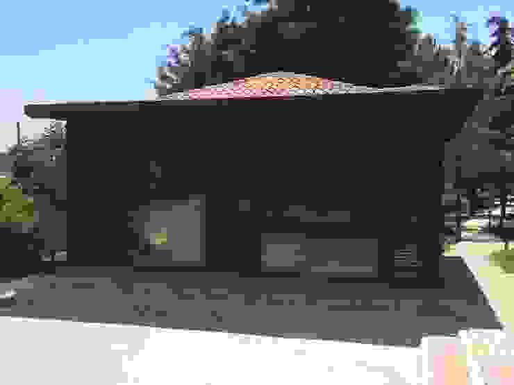 Minimalist conservatory by Tabiat Ahşap Tasarım ve Uygulama San. Tic. Ltd. Şti Minimalist