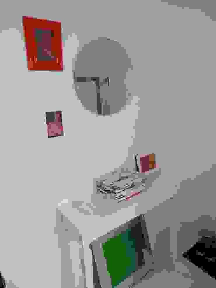 Renowacja klatki schodowej Eklektyczny korytarz, przedpokój i schody od Izabela Widomska Interiors Eklektyczny