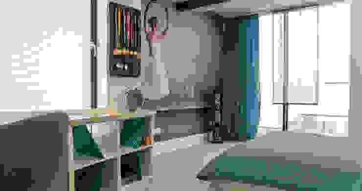 Wnętrze dziecięcych pokoi w Nowej Wsi Lęborksiej Skandynawski pokój dziecięcy od Ewa Weber - Pracownia Projektowa Skandynawski