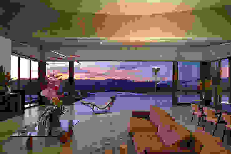Casa JE Salas de estar modernas por Humberto Hermeto Moderno