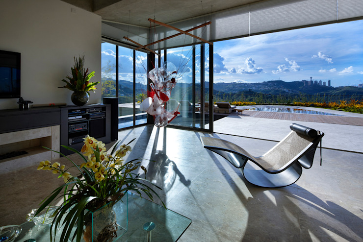 Ruang Keluarga Modern Oleh Humberto Hermeto Modern