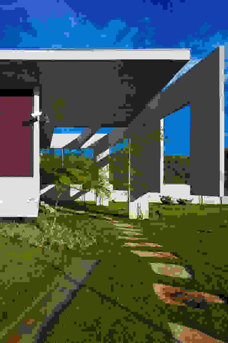 Taman Modern Oleh Humberto Hermeto Modern