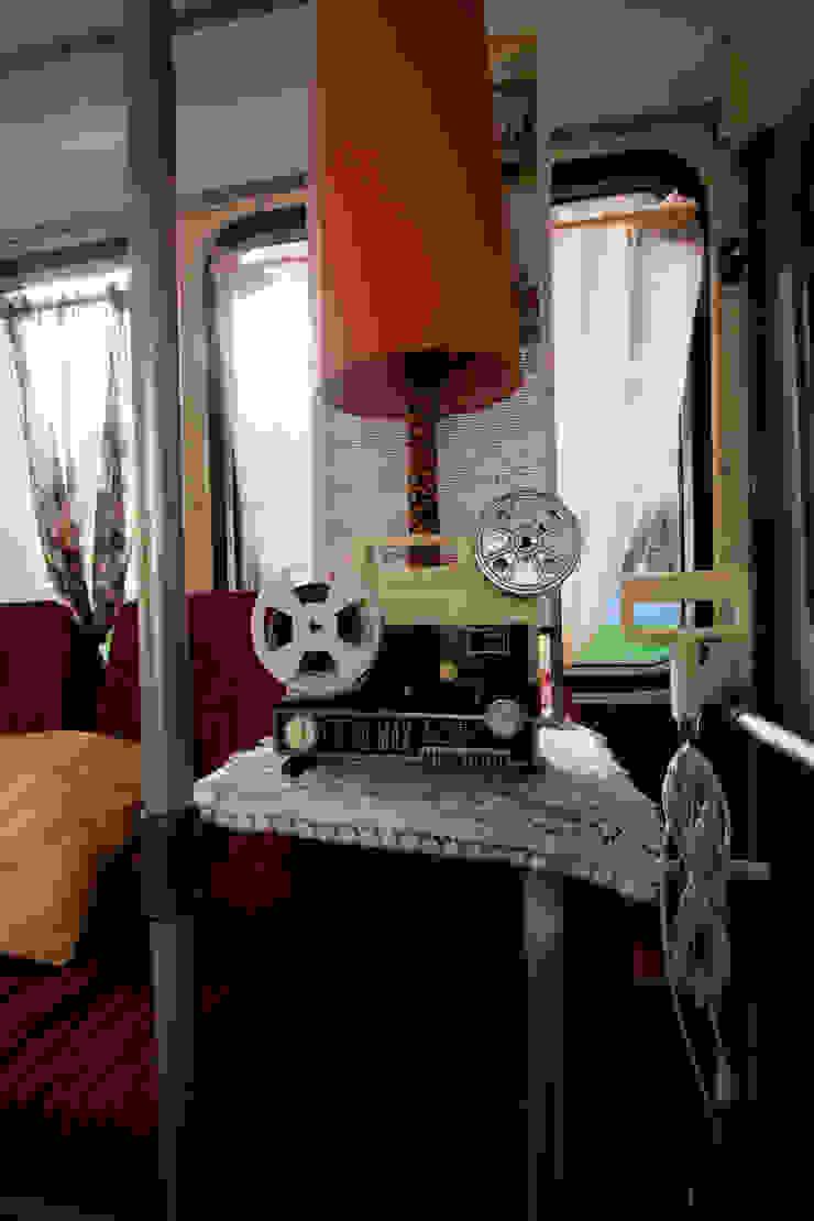 Scenografie – Videoclip 2010 Soggiorno in stile rustico di Michela Brondi Rustico