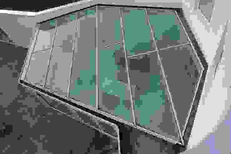Modern conservatory by Florian Eckardt - architectinamsterdam Modern
