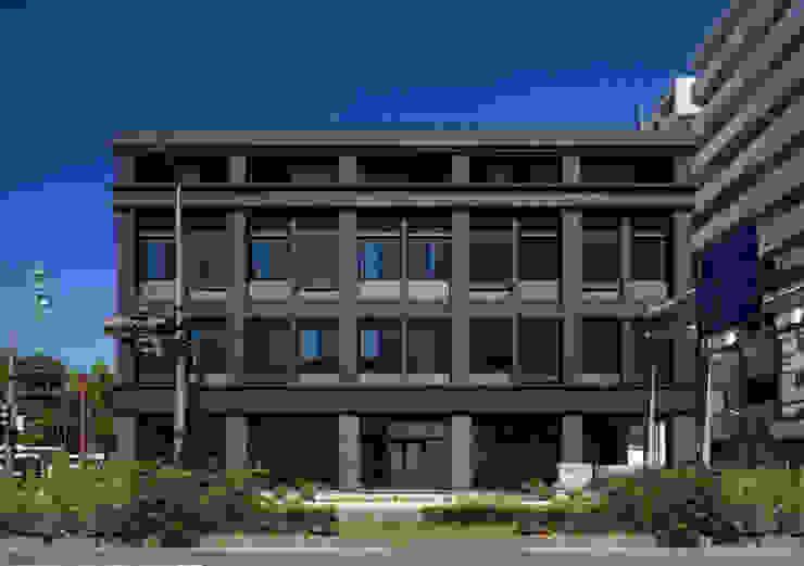 堀端テラス モダンな 家 の Y.Architectural Design モダン