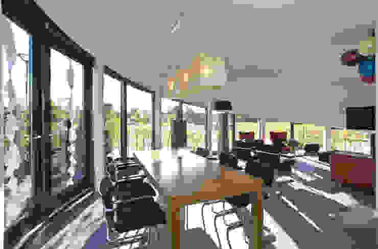 Florian Eckardt - architectinamsterdam Modern living room