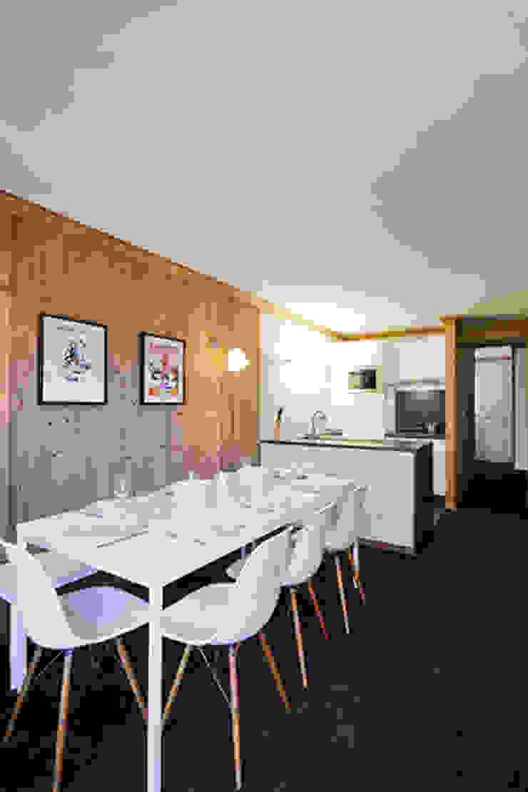 Appartement Les Arcs Salle à manger rustique par Tymeno Rustique