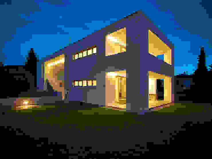 モダンな 家 の raupach architekten モダン