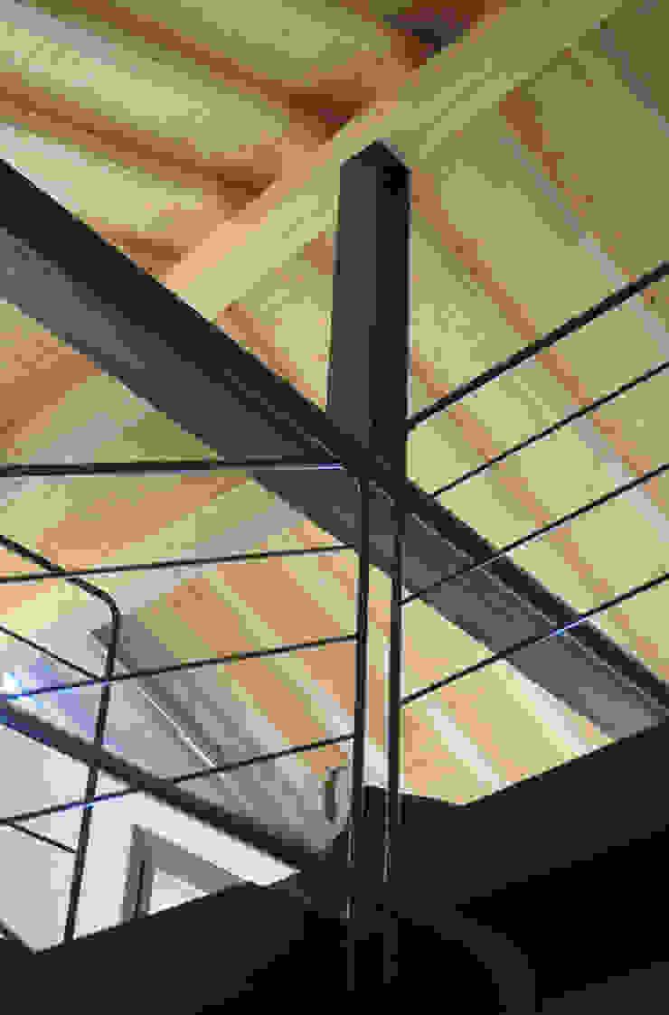 interno Ingresso, Corridoio & Scale in stile moderno di supercake Moderno