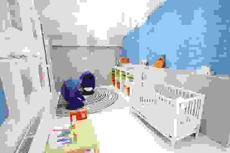 Pokój chłopca- realizacja Minimalistyczny pokój dziecięcy od Orange Studio Minimalistyczny
