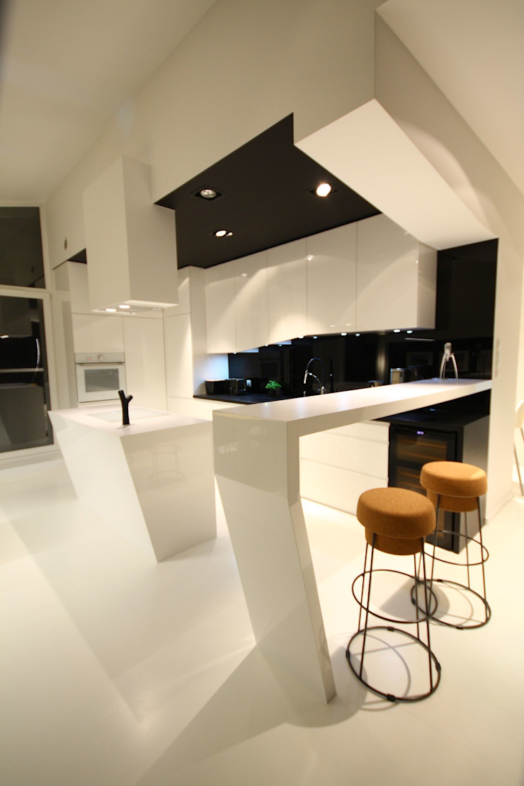 Kuchnia- realizacja Minimalistyczna kuchnia od Orange Studio Minimalistyczny