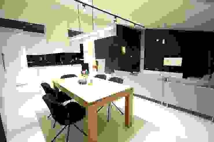 Salas de estilo minimalista de Orange Studio Minimalista