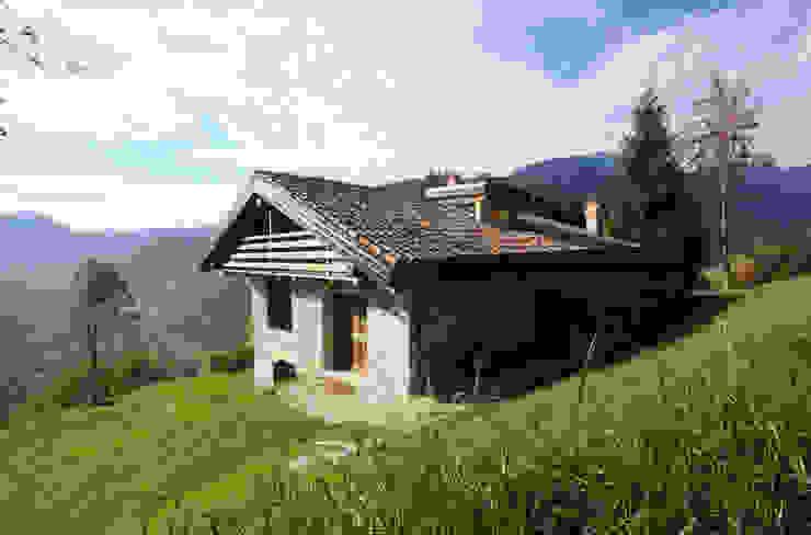 esterno e osservatorio Case in stile rustico di supercake Rustico